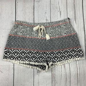 Paper Crane print woven fringe hem shorts A7